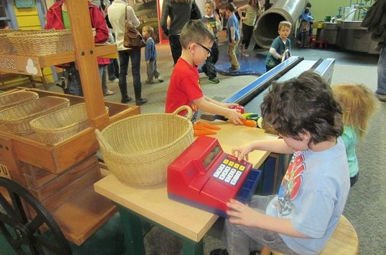 Discovery Center: Playing Store