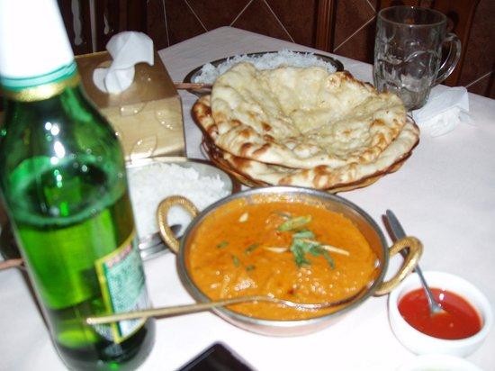 Taj mahal restaurant: Nan & Prawn Curry