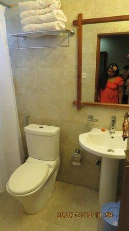 TSG Blue Resort : bathroom view
