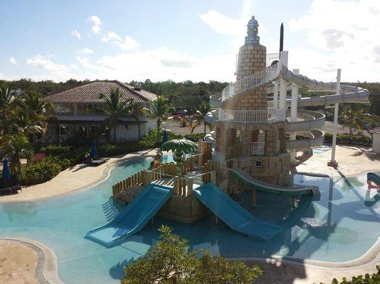 Weare Cadaques Bayahibe Hotel: Jeux aquatiques de la piscine - pas ouvert tous les jours