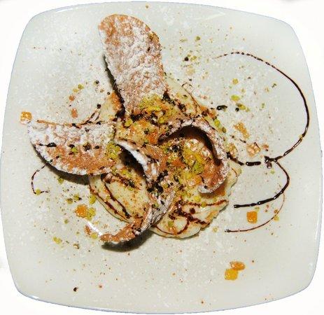 Ristorante Pepe Nero: Dessert: il cannolo scoppiato