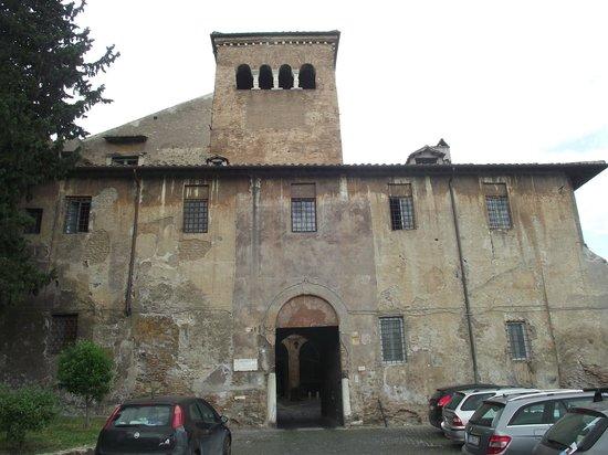 Monastero dei Ss.Quattro Coronati : Fachada da entrada do Mosteiro dei Santi Quattri Coronati