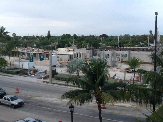 Key West Marriott Beachside Hotel: Hier der zusätzliche tolle Blick auf die Strasse