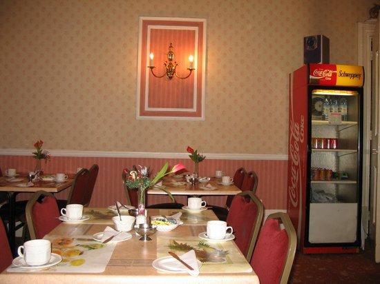 Oliver Hotel: Sala de café