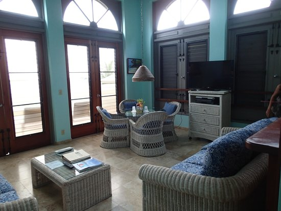 Gallows Point Resort : Living area in 1D