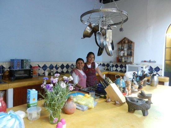 El Diablo y la Sandia Libres : lovely ladies who cook and clean