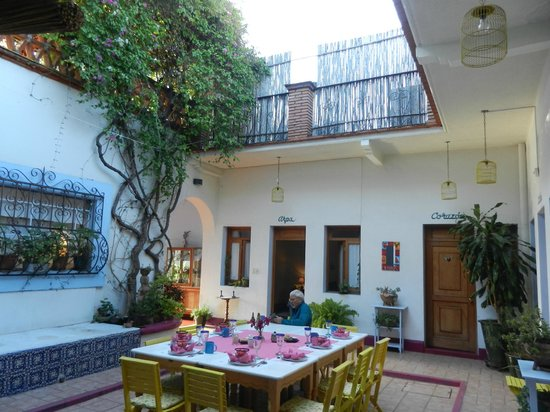 El Diablo y la Sandia Libres : open dining see the roof deck