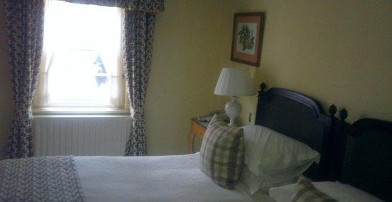 Middlethorpe Hall & Spa : bedroom