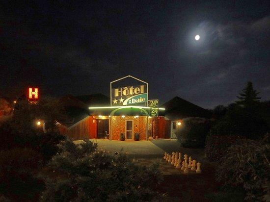 Hôtel de la Baie de Paimpol : La réception la nuit