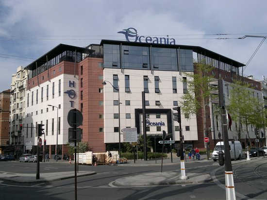 Piscine picture of hotel oceania paris porte de for Hotel porte de versailles