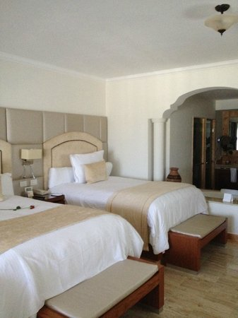 Excellence Riviera Cancun : Queen beds