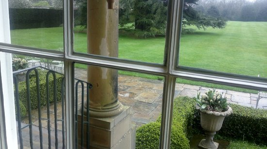 Middlethorpe Hall & Spa: main lounge window