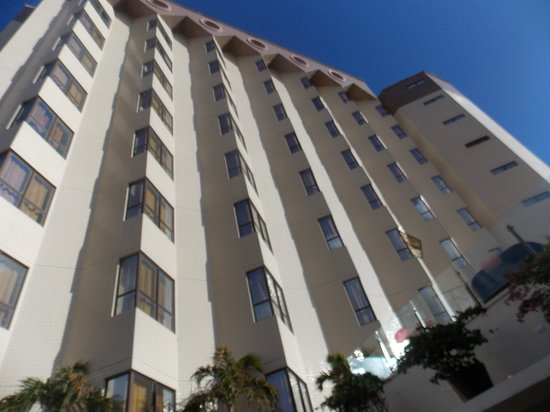 Best Western Premier Majestic: O hotel visto de baixo para cima