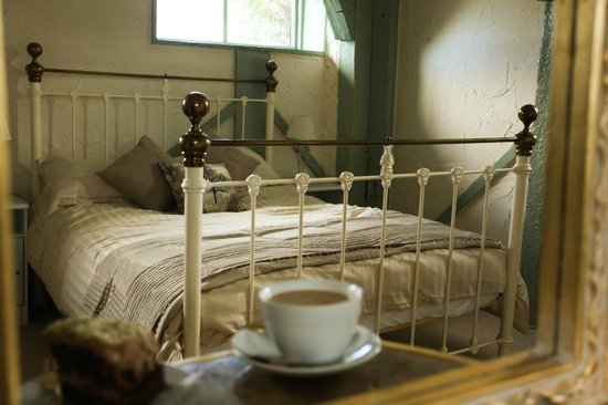 The Edge Accommodation: The bed