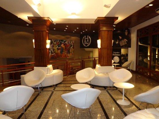 Wish Serrano Resort & Convention : sala