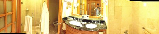 JW Marriott Cancun Resort & Spa: BAÑO DE LA HABITACION EXELENTE