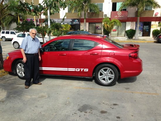 JW Marriott Cancun Resort & Spa: MERCADO 28 AUTO ARRENDADO