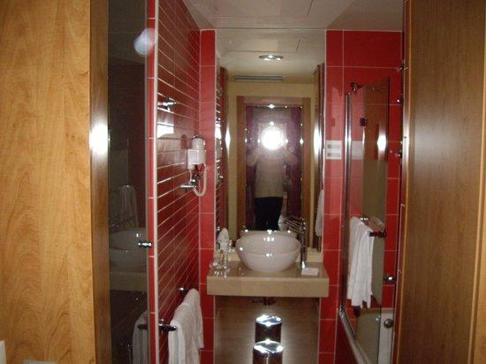 Hotel Dome: detalle del baño