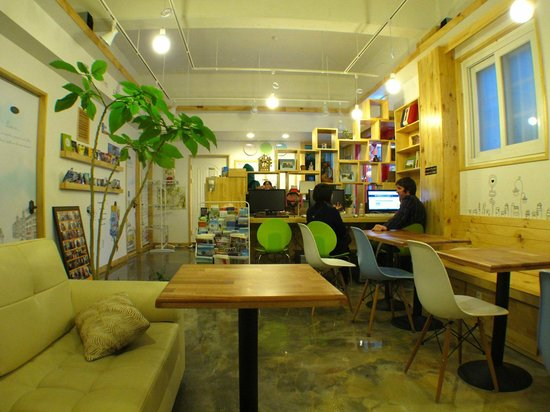 Blue Backpackers Hostel: 5