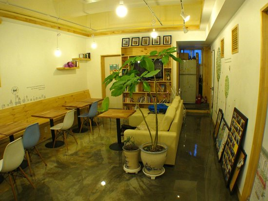 Blue Backpackers Hostel: 4