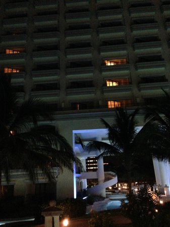 JW Marriott Cancun Resort & Spa: VISTA NOCTURNA HOTEL