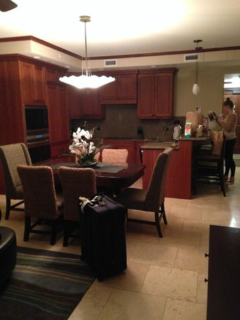 Koloa Landing Resort : Just arrived - great kitchen/DR/LR