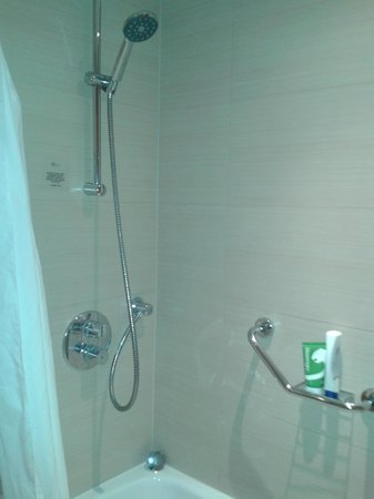 Telford Hotel & Golf Resort: Shower