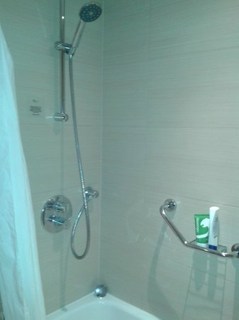 Telford Hotel & Golf Resort: Very clean bath/shower
