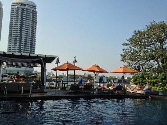 Riva Surya Bangkok: Pool river view