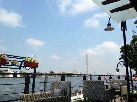 Riva Surya Bangkok : Pool river view