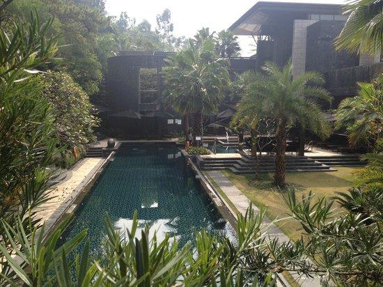 Sheraton Grand Guangzhou Huadu Resort: vue bâtiment principal