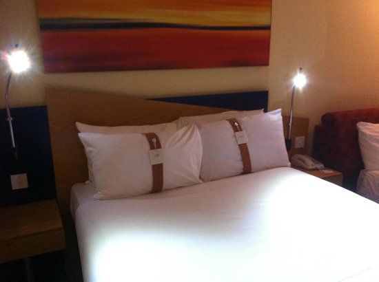 Holiday Inn Express Exeter: Double bed