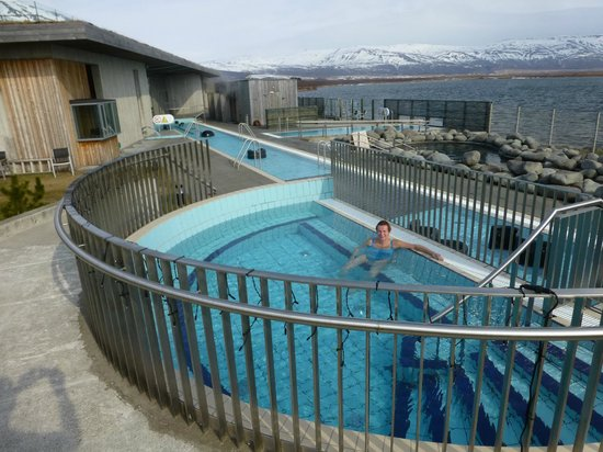 Laugarvatn Fontana Geothermal Baths : 40 degree pool with a view of the lake and hills