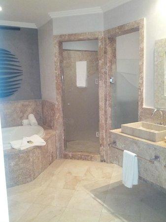 Alsol Luxury Village : Salle de bain - Lavabo double