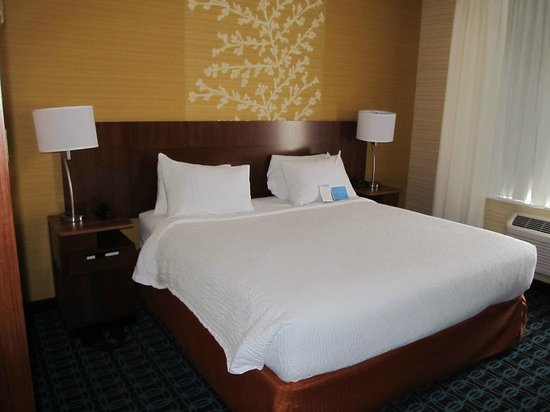 Fairfield Inn & Suites by Marriott Vernon : Views of the room