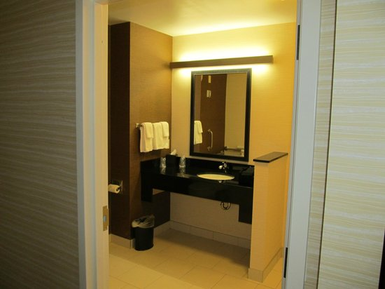 Fairfield Inn & Suites by Marriott Vernon : Bathroom