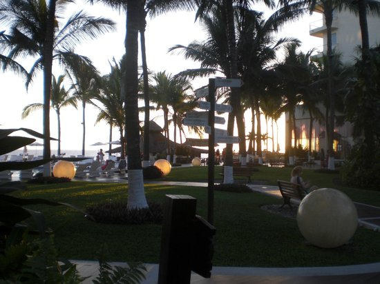 Bel Air Collection Resort & Spa Vallarta: Resort grounds