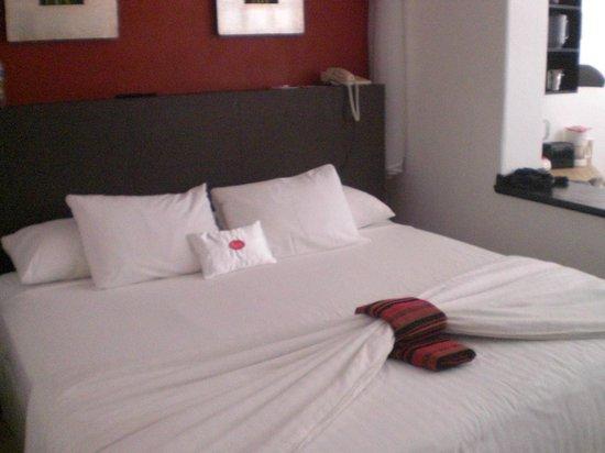 Bel Air Collection Resort & Spa Vallarta : Room/Bed