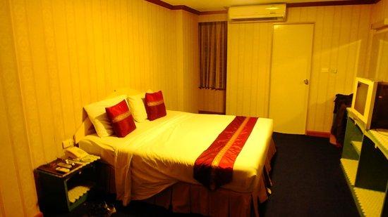 Nasa Vegas Hotel : dormitorio