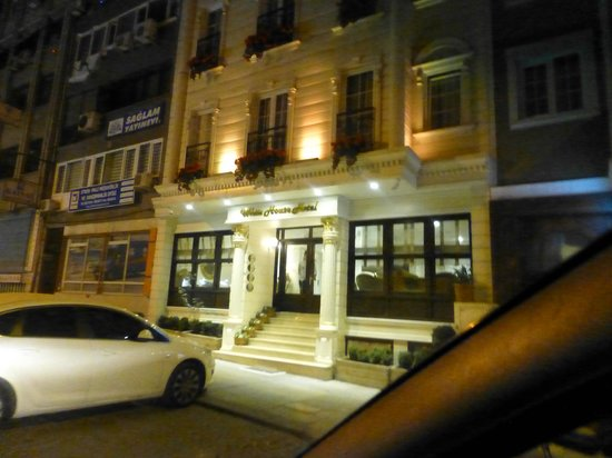 White House Hotel Istanbul: front
