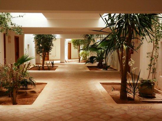 Vincci Resort Djerba : hall devant les chambres