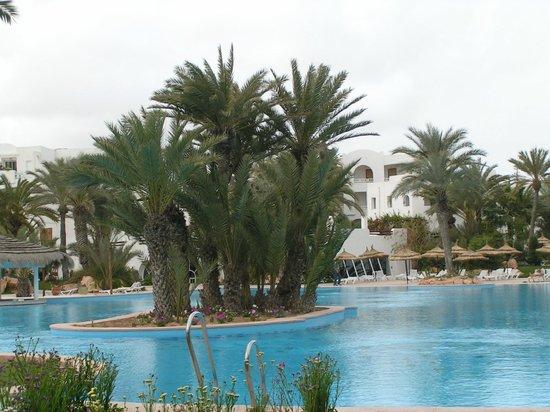 Vincci Resort Djerba : jardin de l'hôtel