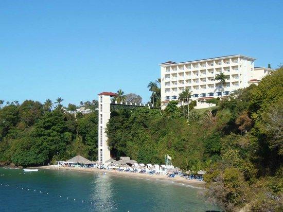 Grand Bahia Principe Cayacoa : View of resort from Bridge to Nowhere