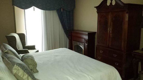 Old Stone Inn Boutique Hotel: King room