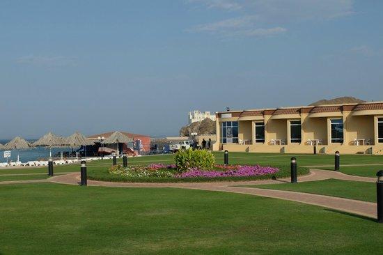Royal Beach Hotel & Resort: Территория