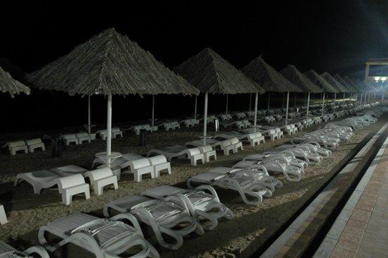 Royal Beach Hotel & Resort: Пляж