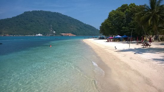 Perhentian Tuna Bay Island Resort: Beach