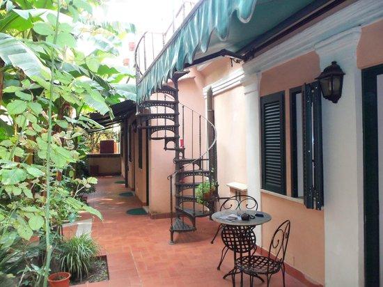 Astoria Garden: Der Innenhof