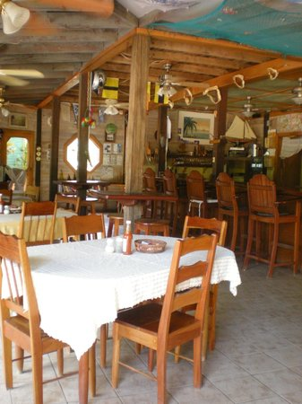 Lost Reef Resort : The Restaurant and Bar