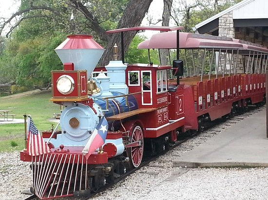 San Antonio Zoo Eagle Train: The train!!
